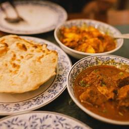 แกะแพะเข้มข้นได้รสชาดแกง กลิ่นอินเดีย เนื้อเหนี่ยวแน่น ชวนให้รับประทาน
