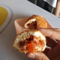 ซาลาเปาทอดไส้หมูแดง+ไข่เค็ม