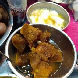 บัวลอยไข่หวาน มะพร้าวอ่อน ตลาดสะพานสอง