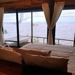 ห้องพักที่สามารถนอนชมวิวยกยอวิถีชีวิตชาวปากประ