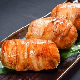B11 ข้าวปั้นห่อหมูย่าง (ร้าน - KATANA)