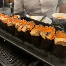 ซูชิฟัวการ์กับไข่ปลาแซลมอน