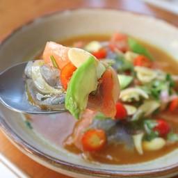 แซลมอนและกุ้งในซอสมะนาว  Salmon & Shrimp Ceviche