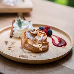 Charm Eatery & Cafe
