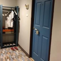 เราชอบที่ประตูสีฟ้า