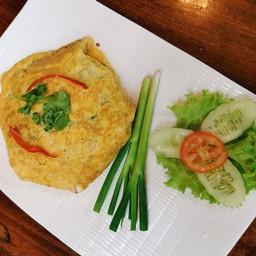ข้าวผัดปลาเค็มห่อไข่