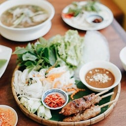 Miss Saigon Vietnamese Cuisine People Park Community Mall Onnuch