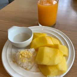 ข้าวเหนียวมะม่วง อร่อย + น้ำส้มคั้นคั้นสดๆ