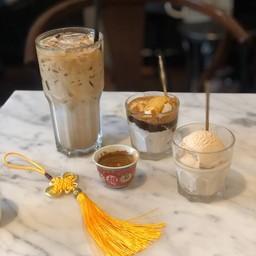 Affogato อร่อยมาก กาแฟเข้ากันกับไอศครีมกะทิมากๆ