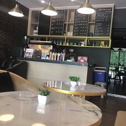 ณ เฌอ Coffee & Bakery