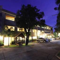 โรงแรม ศรีสมไทยเฮ้าส์