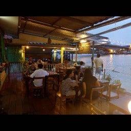 ร้านคานเรือ (กุ้งเผาริมแม่น้ำ)