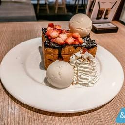 Shibuya Chocolate Toast Strawberry