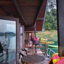 Pond Rich Tour At Khao Sok Lake