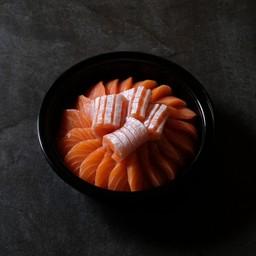 Salmon sashimi size M