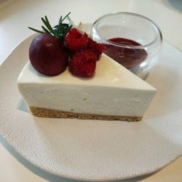VERY BERRY CHEESE CAKE