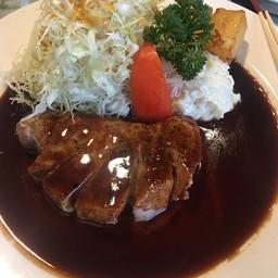 สเต็กหมูสันนอกสไตล์ญี่ปุ่น