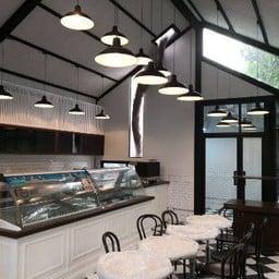 Le Plaisir Café พระราม 9 ซอย 17