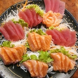 Domo Japan's food (ซ.รามคำแหง203 ในศูนย์อาหารรินทร์ทอง)