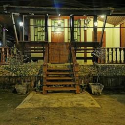 บ้านไม้ไทย รีสอร์ท