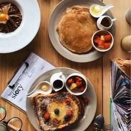 Breakfast Story (Phloen Chit) เพลินจิต