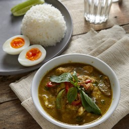 Green Chicken Curry with Rice