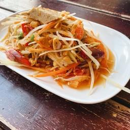 ตำญวนไทย ส้มตำที่ใส่หมูยอ ไม่มีปลาร้า