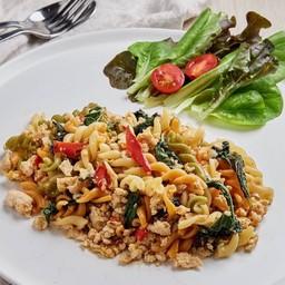 ฟูซิลลีสามสีผัดขี้เมา 'Kee-Mao' spicy pasta
