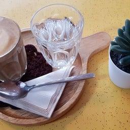 Zhelter Café