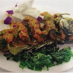 ปลาเก๋าดำราดพริก
