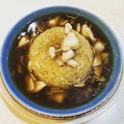 ข้าวผัดไข่ราดน้ำแดงปู