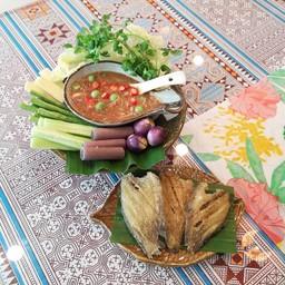 น้ำพริกมะม่วงสด+ปลาสลิดทอดกรอบ