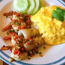ข้าวทะเลพริกเกลือ+ไข่ข้น
