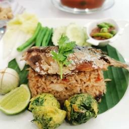 ข้าวผัดน้ำพริกปลาทู [580 Kcal]