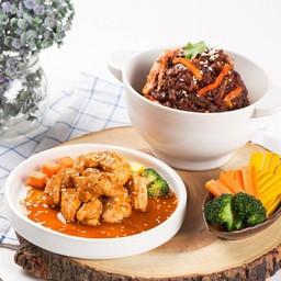 ข้าวผัดกิมจิอกไก่ซอสเกาหลี