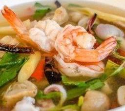 ต้มยำโป๊ะแตก Tom Yum Soup with Mixed Seafood
