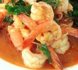 ผัดกะเพราเนื้อ กุ้ง ปลาหมึก Pab Kraprao Beef, Shrimps, Squids