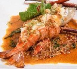 แกงนอกครกกุ้งแม่น้ำ เครื่องซอย  หรือปลากระพงขาว Fresh Herbs Curry