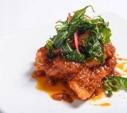 ฟิเล่ปลากะพงผัดพริกขิง กะเพรากรอบ / SeaBass Filet Deep Fried with Sweet Red Curry Paste