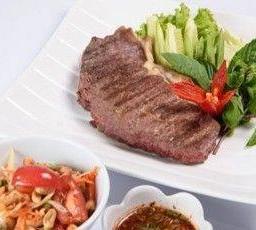 เนื้อเซอร์ลอยด์ย่าง จิ้มแจ่ว Grilled Beef Sirloin