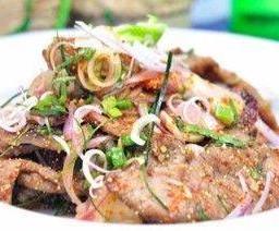 เนื้อน้ำตก Grilled Beef Salad NamTok