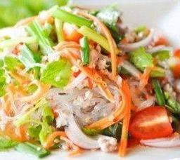 ยำวุ้นเส้นหมูสับ  Glass Noodle Spicy Salad with Pork