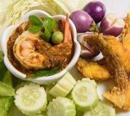 น้ำพริกไตปลา ปลาทอดขมิ้น และผักสด  Southern Style Fish Dips served with Fried Fish Marinated & Vegetables