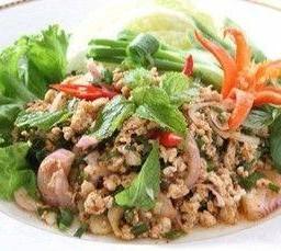 ลาบหมู หรือไก่  เป็ด เนื้อ  North Eastern Salad Lab with Pork or Chicken