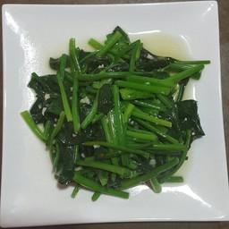 ผัดปวยเล้ง蒜香菠菜