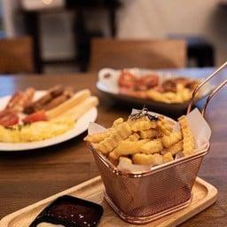 Warm Dish Cafe & Bistro