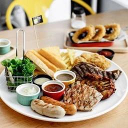 Hungry Nerd Steak &  Pasta ราชเทวี