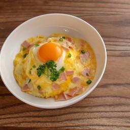 ข้าวไข่ข้นภูเขาไฟแฮม