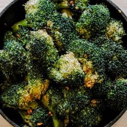 Broccoli Roasted Delivery (Vegan) ผัดบล็อคโคลี่
