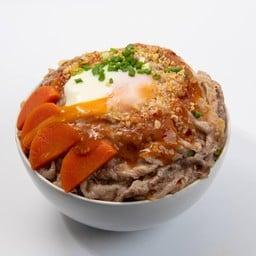 ข้าวหน้าเนื้อชาบู + ไข่เยิ้ม (เลือกซอส)